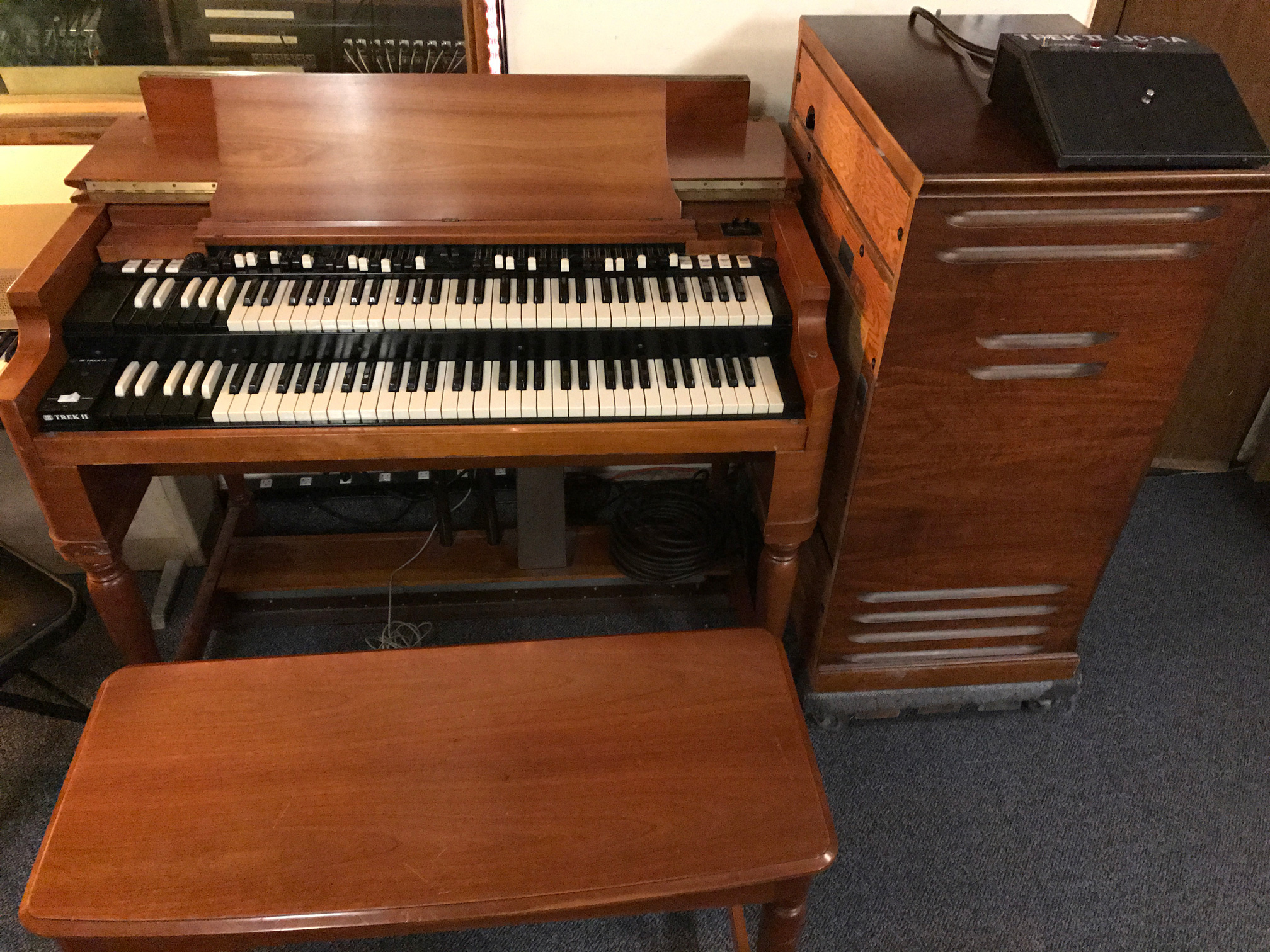 1965 Hammond B3 with Leslie R122R